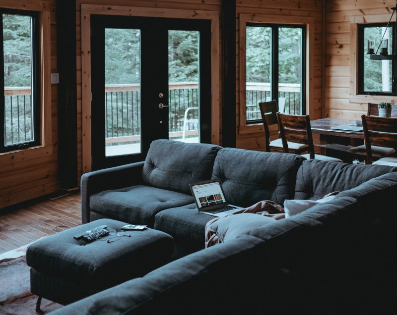 Jaki zestaw wypoczynkowy sprawdzi się w Twoim salonie?